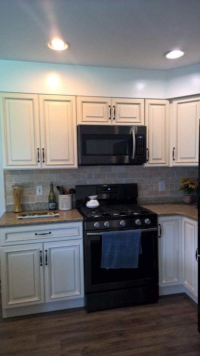 Newark Kitchen Cabinets Adds Touch Of Elegance | Holcomb ...